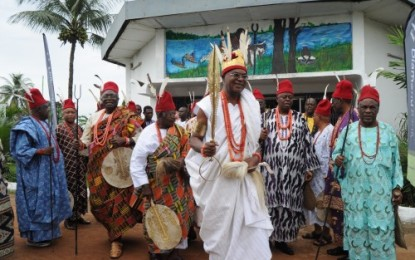Obi Alfred Achebe At Ofala Onitsha 2013 (Video)