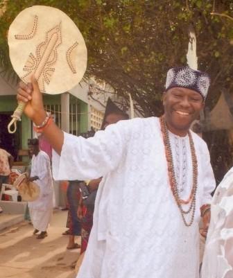 "Onwa Oseloka Areh Showers Gifts On The ""Onyeagbas"" Of Obikporo Village."