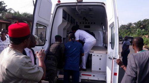 Gov. Obiano Plays Good Samaritan On The Road