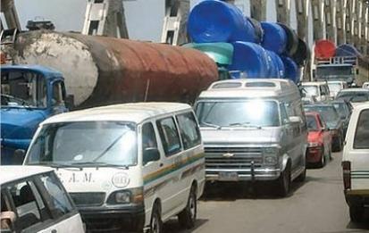 2 People Die Of Exhaustion In Onitsha Traffic.