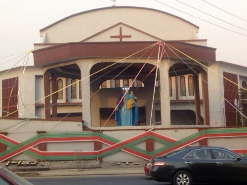 Old Altar Boys Reunite To Reenact Their Role In Onitsha Church