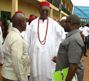 The Obi-of-Onitsha, Igwe Alfred Achebe (middle) flanked by    Mr Victor Enwezor (right) and Pastor Chudy Maduegbuna (left).
